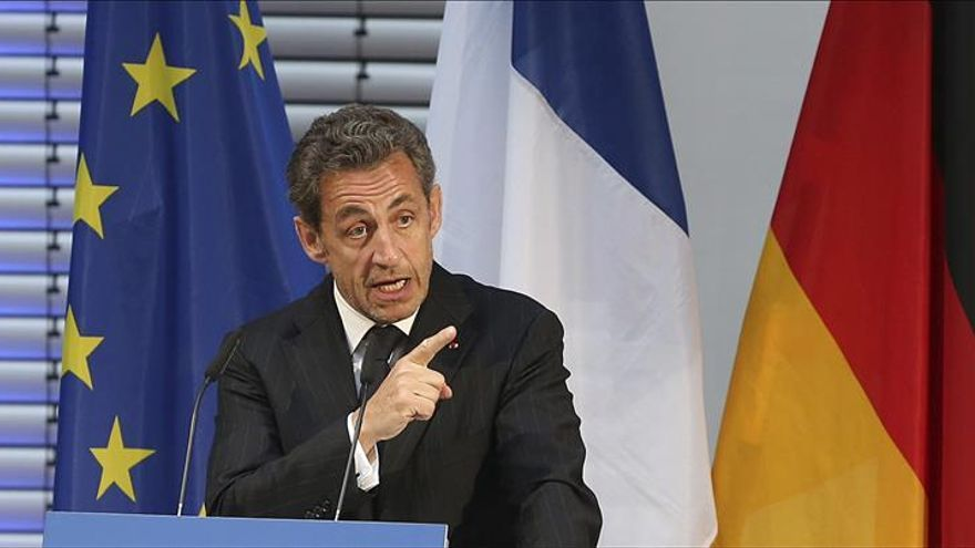 Sarkozy dice que las mentiras repetidas de Hollande han causado la moción de censura