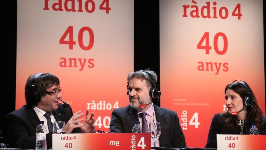 Puigdemont defiende a Jané y pide a la CUP no mezclar las detenciones con los Presupuestos