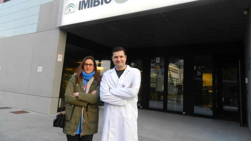 Los responsables del estudio, en la sede del Imibic.
