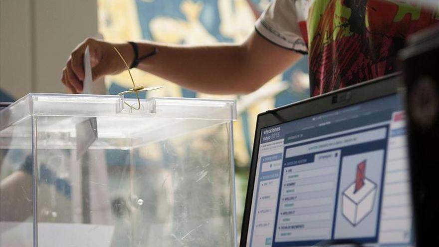 El escrutinio total tardará hasta dos días por errores en algunos municipios