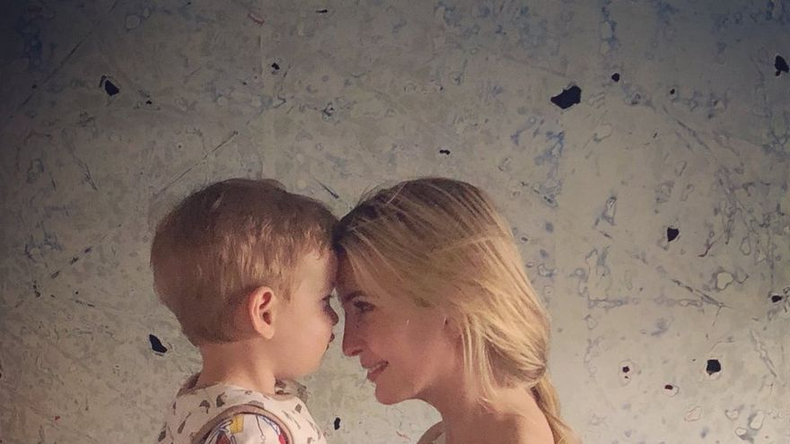 Ivanka Trump junto con su hijo de dos años, Theodore.