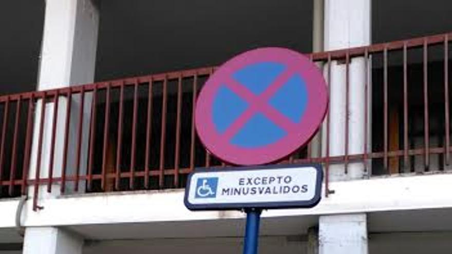 La señal se encuentra en la calle Madrid de la capital alavesa.