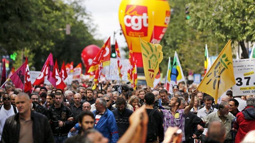 Siete de cada 10 franceses creen que la democracia no va bien en Francia