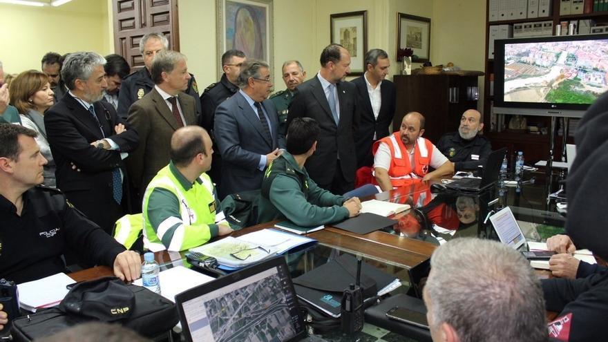 Zoido tranquiliza ante ataques del 'yihadismo' y dice que en España ha habido 174 detenidos con la alerta nivel 4