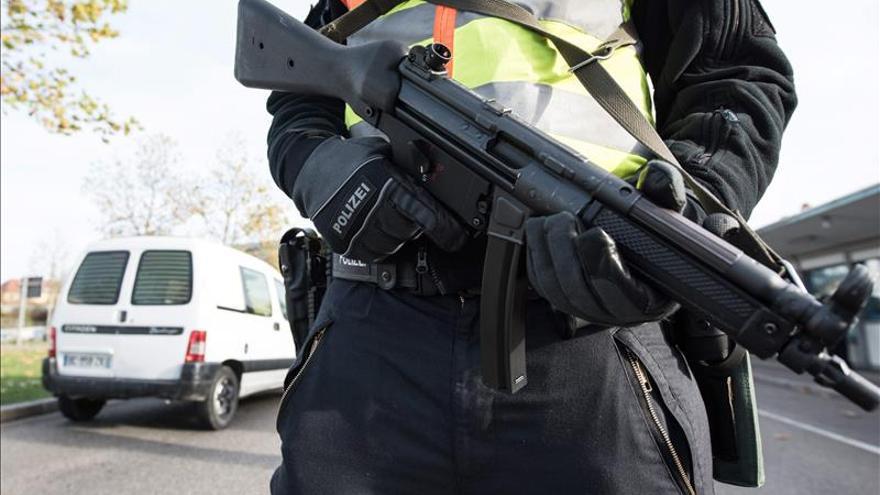 El detenido en Alemania con armas y explosivos se niega a hablar a la policía