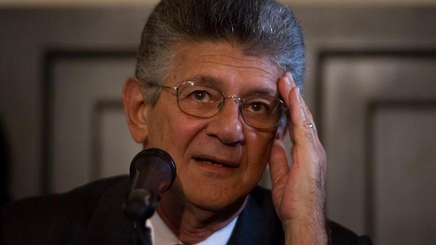 El Parlamento y el Supremo venezolano enfrentados por la sentencia contra la Cámara