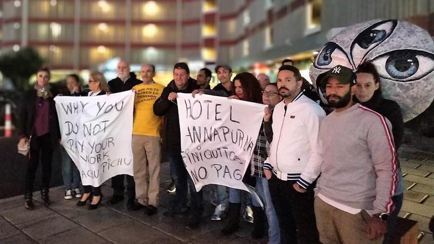 Protesta de los trabajadores del hotel Annapurna.