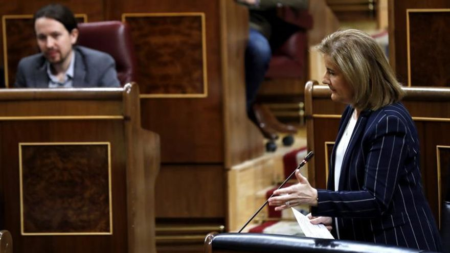 "Báñez destaca la ""fuerte"" subida del 1 % del Iprem en 2017, hasta 537,8 euros"