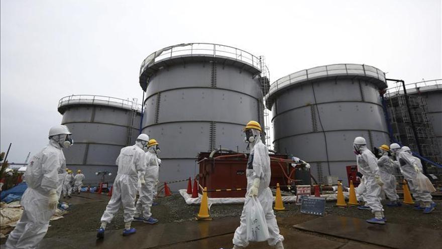 Detectan una nueva fuga en los tanques para guardar agua radiactiva en Fukushima