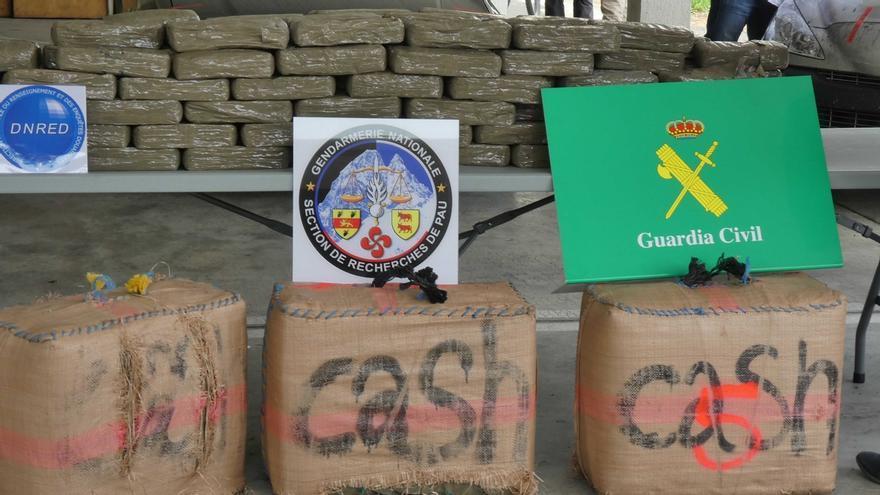 Detenidos los miembros de una banda con residencia el Laredo que introducía 400 kilos de hachís al mes en Francia