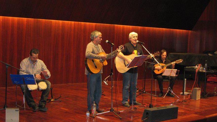 El grupo musical aragonés Adebán