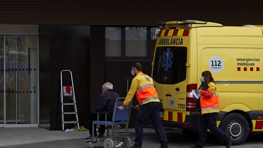 Cataluña supera 3.000 hospitalizados, con el 65 % de UCI ocupadas por covid