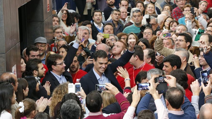 """Pedro Sánchez dice que el PSOE devolverá """"la decencia y la dignidad a la política"""""""