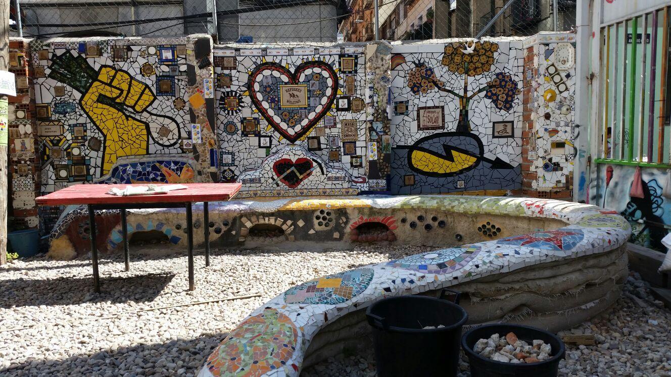 Mural vecinal construido en el Solar de Antonio Grilo