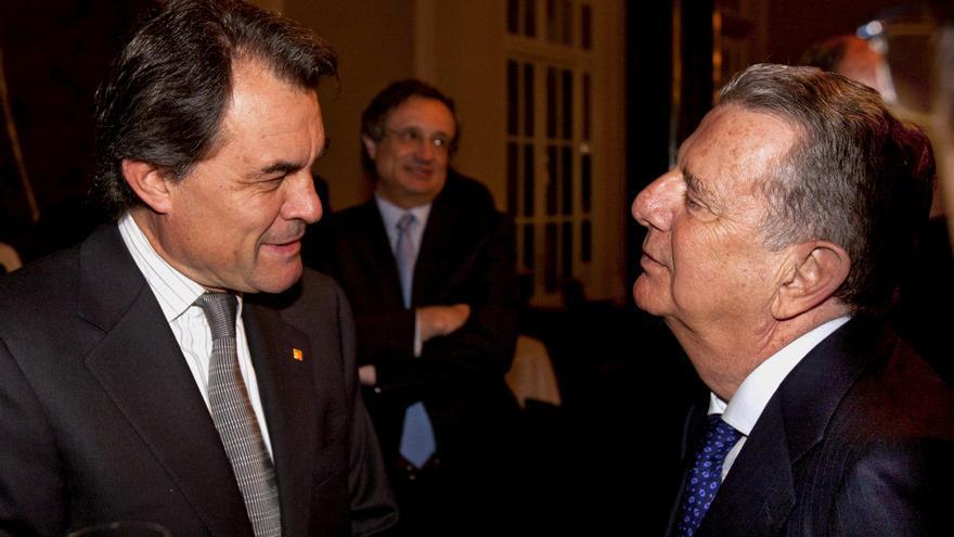 El presidente de la Generalitat, Artur Mas, y el editor de La Vanguardia, Javier Godó, conde de Godó. / Efe