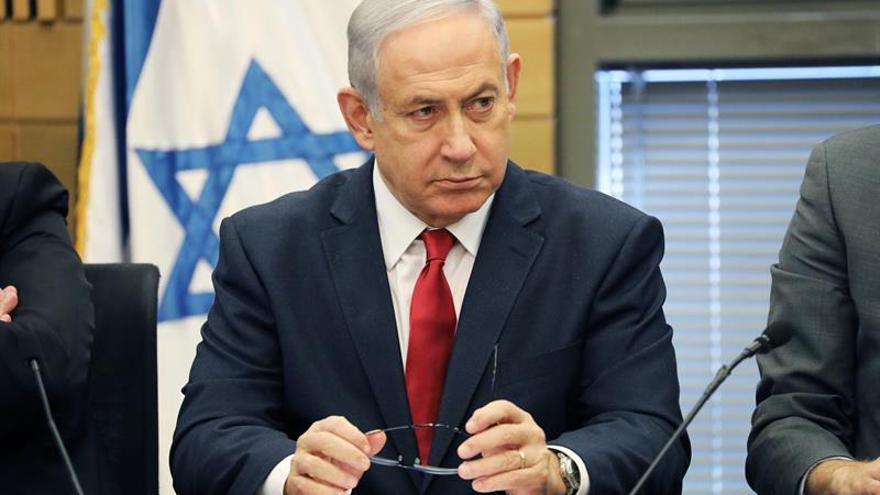 Netanyahu evacuado de un mitin electoral por un proyectil de Gaza