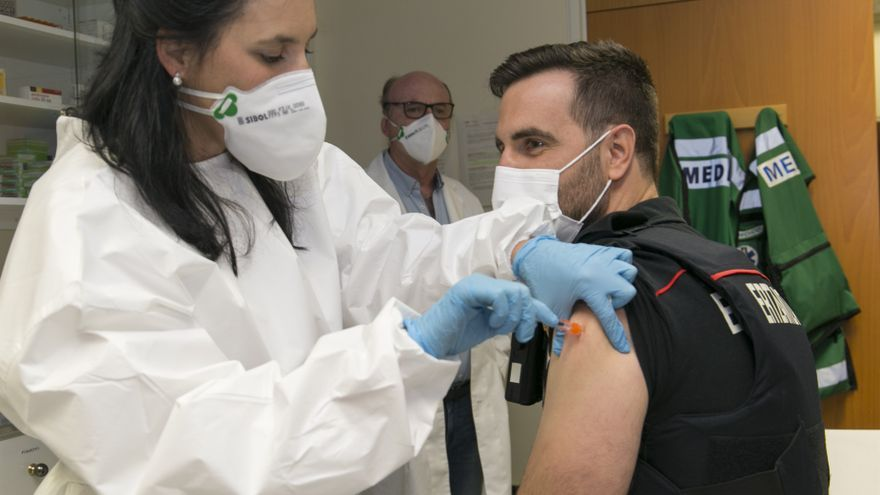 Vacunación de los agentes de la Ertzaintza