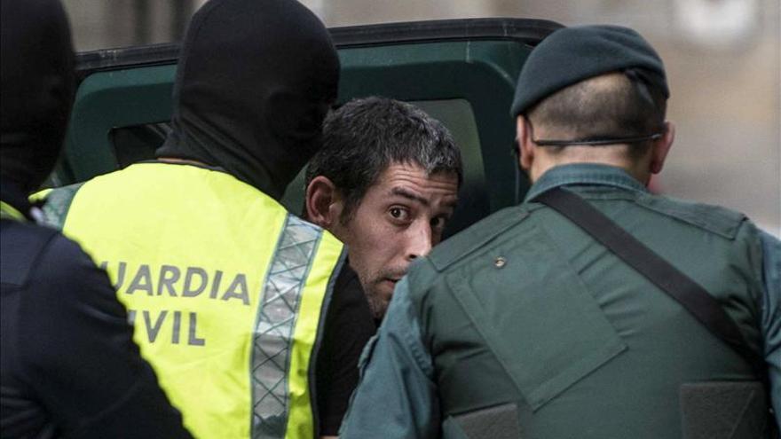 """Fernández Díaz afirma que es un paso más en la batalla para la """"definitiva disolución"""" de ETA"""