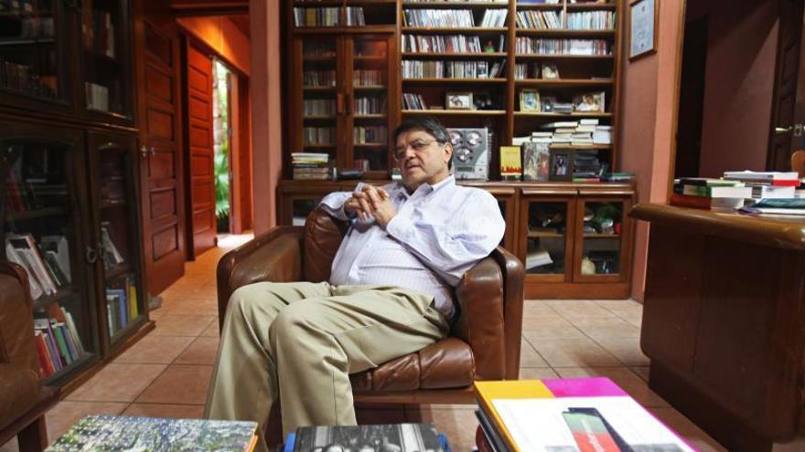 "Sergio Ramírez lamenta la muerte de Juan Gelman, ""un gran poeta de la lengua"""