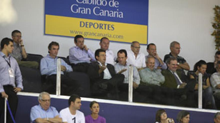 Imagen de palco del Centro Insular de Deportes, este domingo, durante el partido entre el Gran Canaria 2014 y el Regal FC Barcelona.