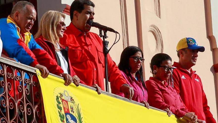 Generales venezolanos ratifican su apoyo a Nicolás Maduro