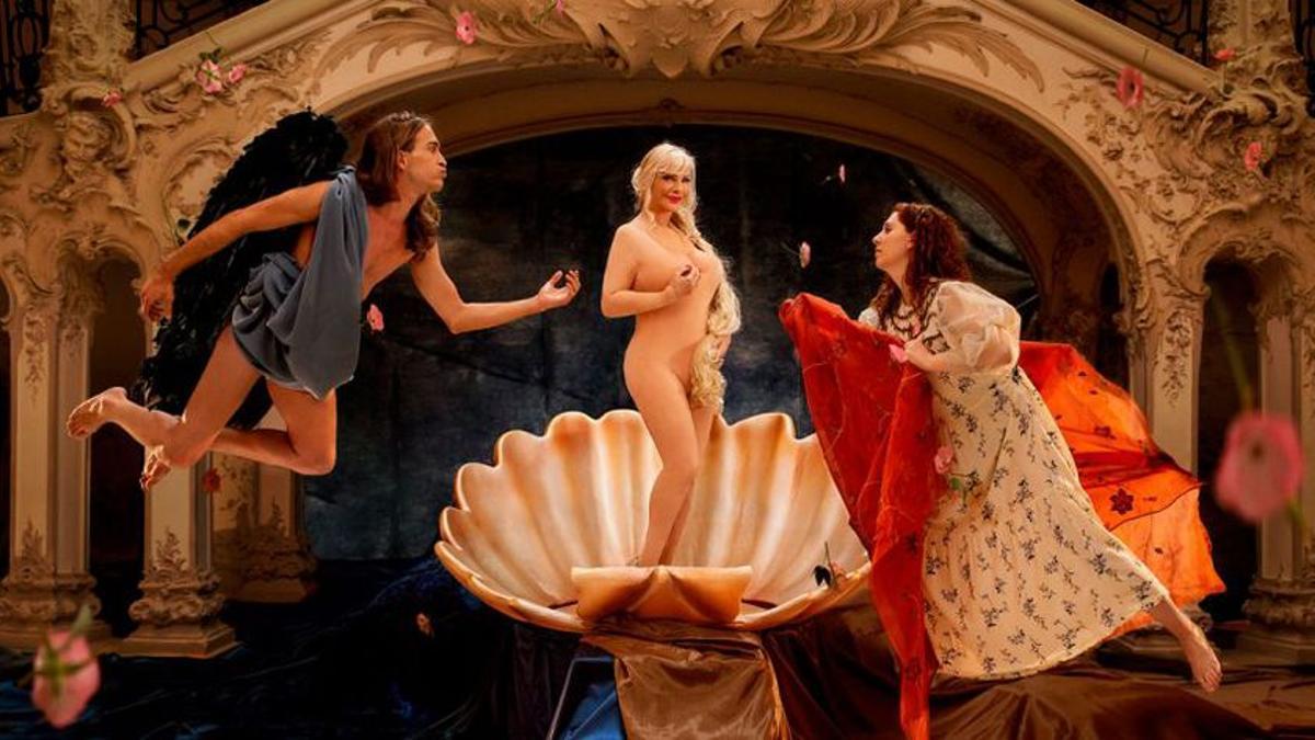 La Cicciolina encarna a la Venus de Botticelli.
