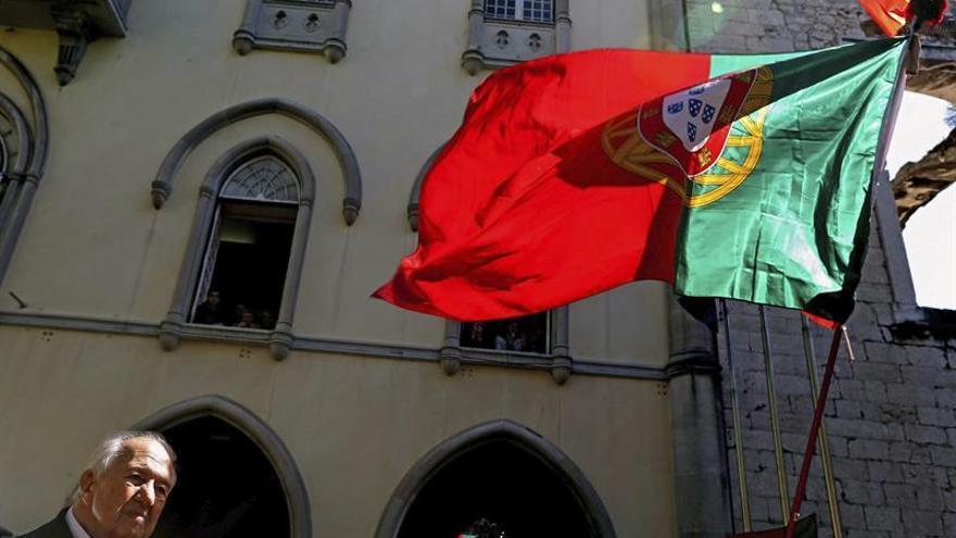 """El expresidente Mário Soares sigue """"estable"""" dentro de una situación """"muy crítica"""""""