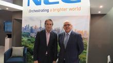 Íñigo de la Serna en la empresa tecnológica NEC.