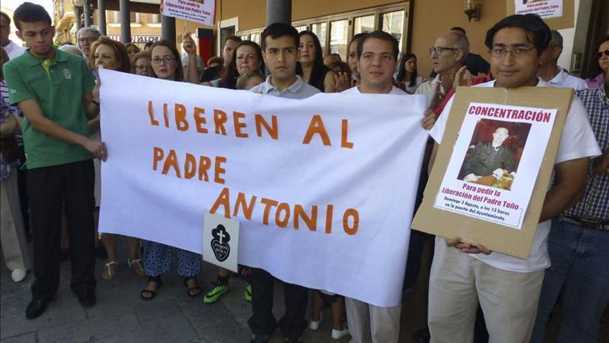 Sacerdote español acude a una nueva audiencia por el supuesto apoyo a pandilleros