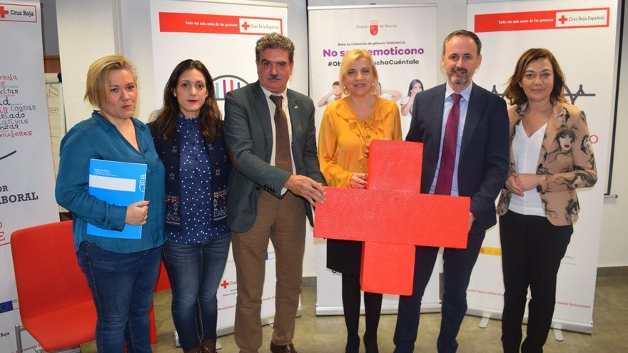 La Comunidad y Cruz Roja se unen para impulsar la integración laboral de las mujeres víctimas de violencia de género