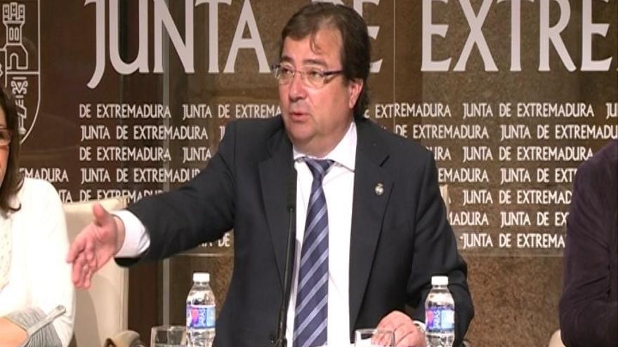 """Vara cree que la coalición Podemos-IU se sitúa """"en la extrema izquierda"""" y con ello """"se clarifica el panorama"""""""