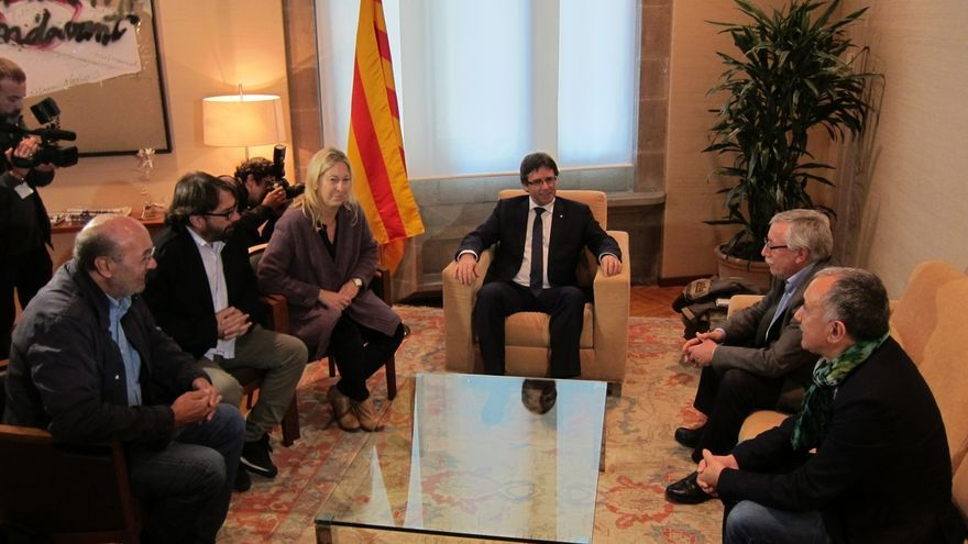 El Gobierno catalán se reúne con los sindicatos UGT y CCOO, este 4 de noviembre de 2016.