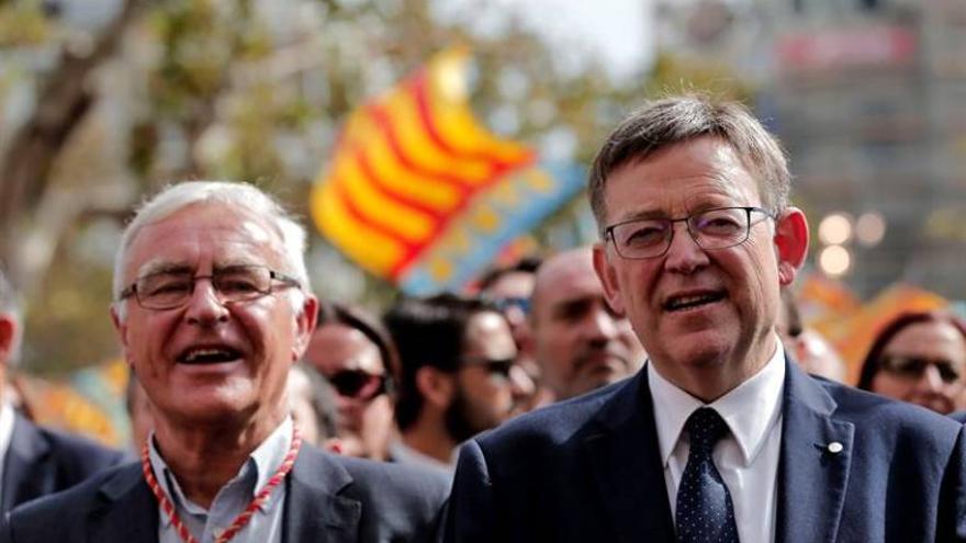El alcalde de Valencia, Joan Ribó, y el presidente de la Generalitat, Ximo Puig, durante los actos del 9 d'Octubre.