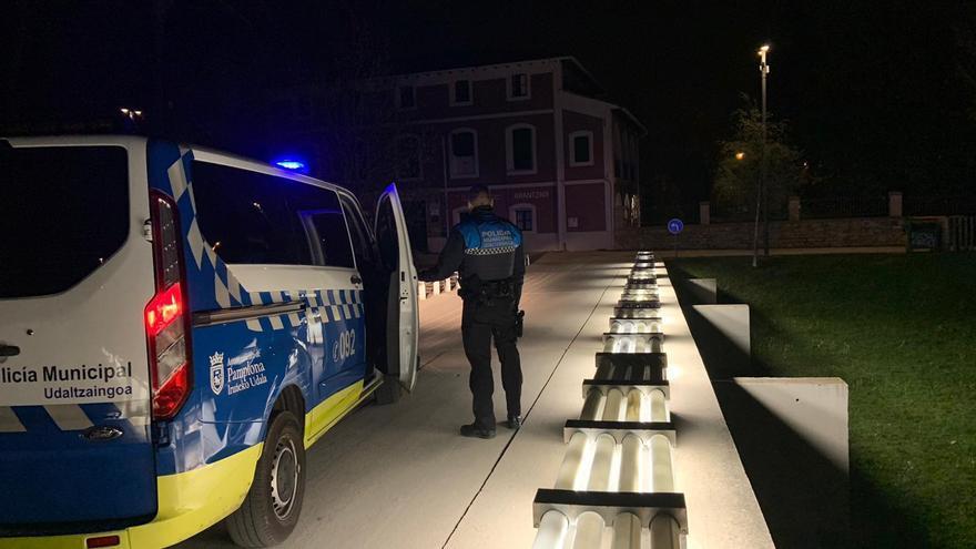 Archivo - Policía Municipal de Pamplona tramita durante el fin de semana 148 denuncias por incumplir la normativa sanitaria