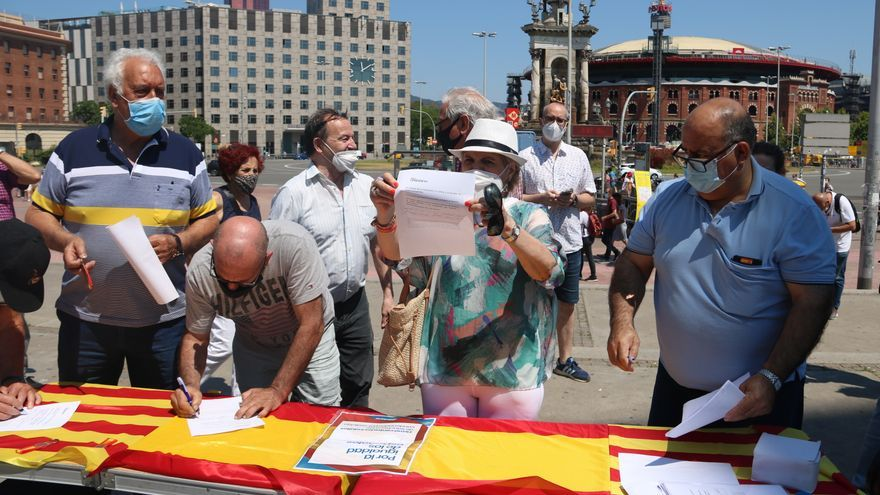 El PP catalán monta 10 días después su primera mesa para firmar contra los indultos