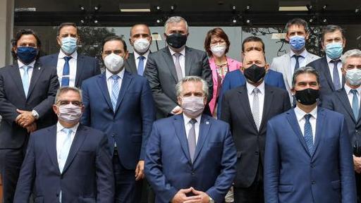 Un mensaje de los gobernadores a los Fernández: la pelea por las PASO no terminó