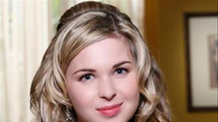 Kirsten Prout de Kile XY