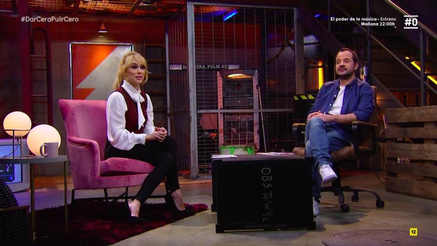 """Así serían las """"modernas"""" Campanadas de Movistar+ según Patricia Conde y Angel Martin"""