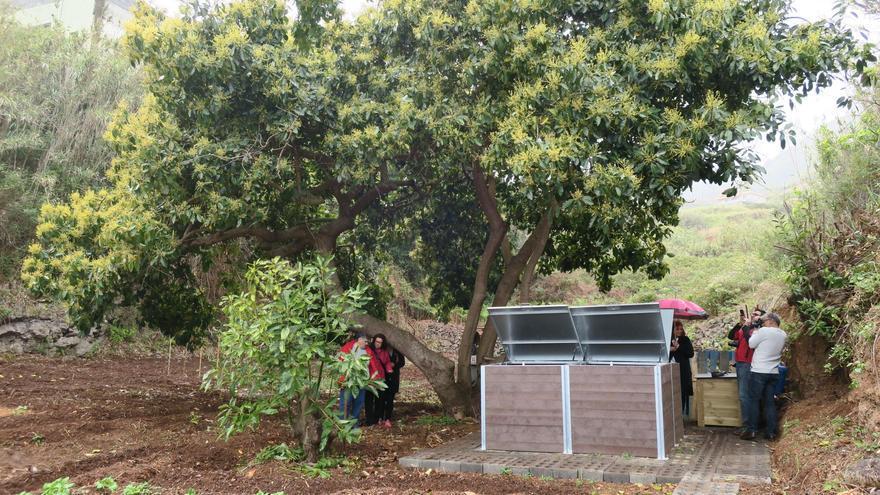 El punto de compostaje comunitario, inaugurado este sábado en el municipio de Puntallana, dispone de cuatro contenedores de un metro cúbico.