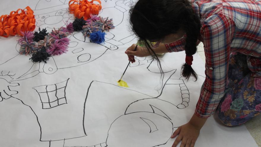 Actividad educativa en una escuela que forma parte del programa Ahora Toca (Cristina Maruri/Ayuda en Acción)