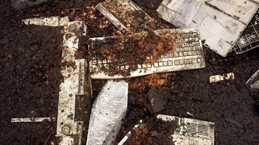 Redes criminales, involucradas en el tráfico de basura electrónica en Europa