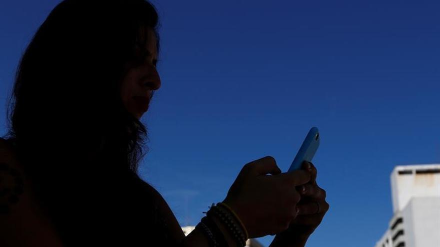 En España una de cada veinte personas es adicta al móvil