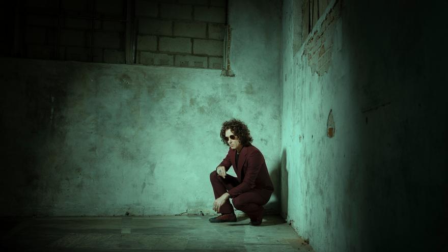 """Enrique Bunbury ha decidido """"mirar al presente"""" en su nuevo disco 'Posible'"""
