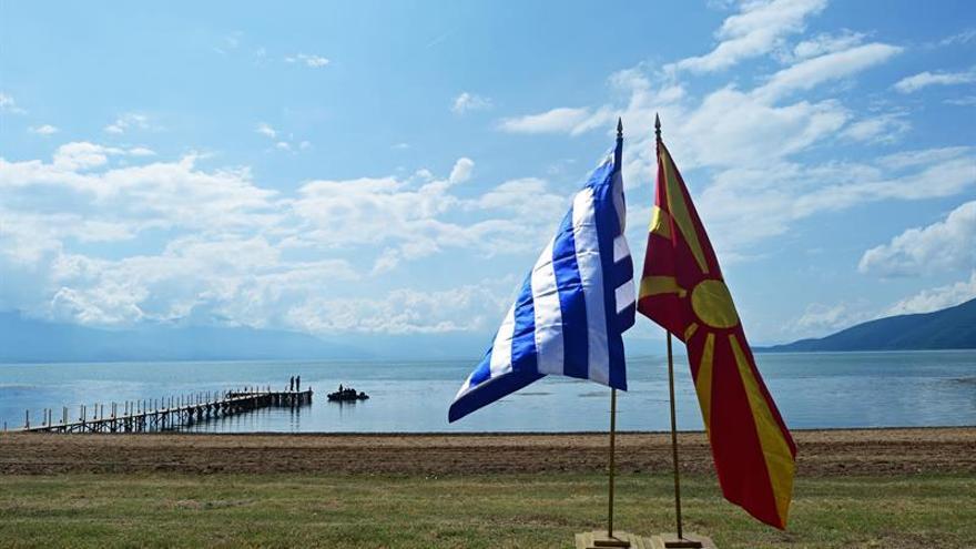 Gobierno de Atenas y Skopje firman acuerdo histórico sobre nombre