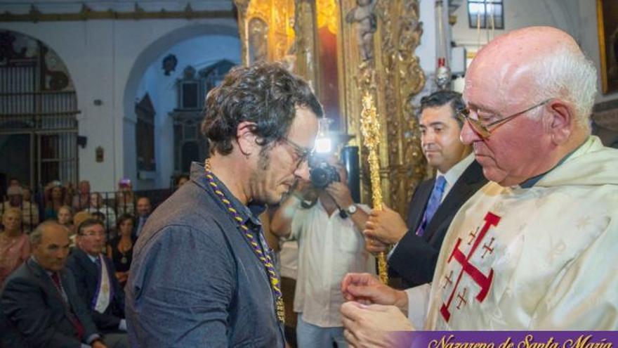 'Kichi' acepta la medalla de hermano Nazareno