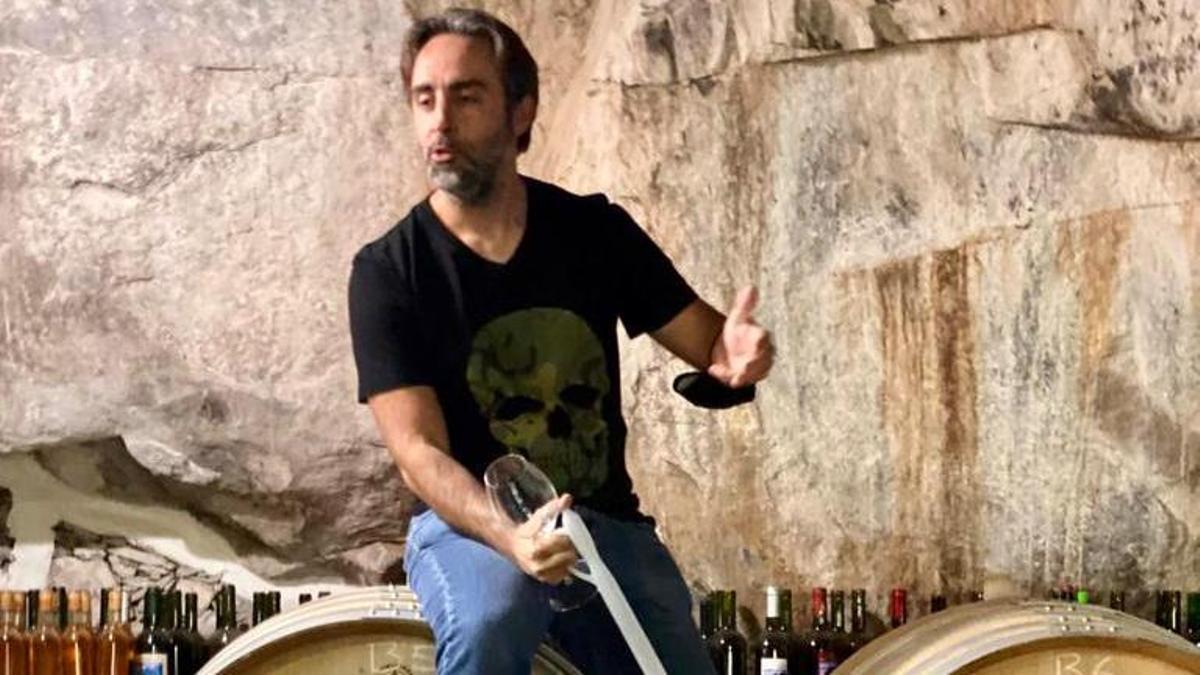 Jonathan García, en las instalaciones de Los Berrazales sobre Barricas Tamerán