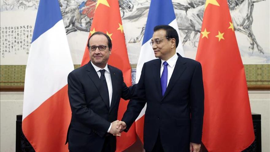 """Hollande cree que China debe ser """"referencia"""" de otros países en la cumbre del clima"""