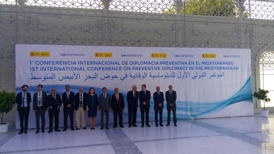 Autoridades en el inicio de la primera Conferencia sobre diplomacia preventiva