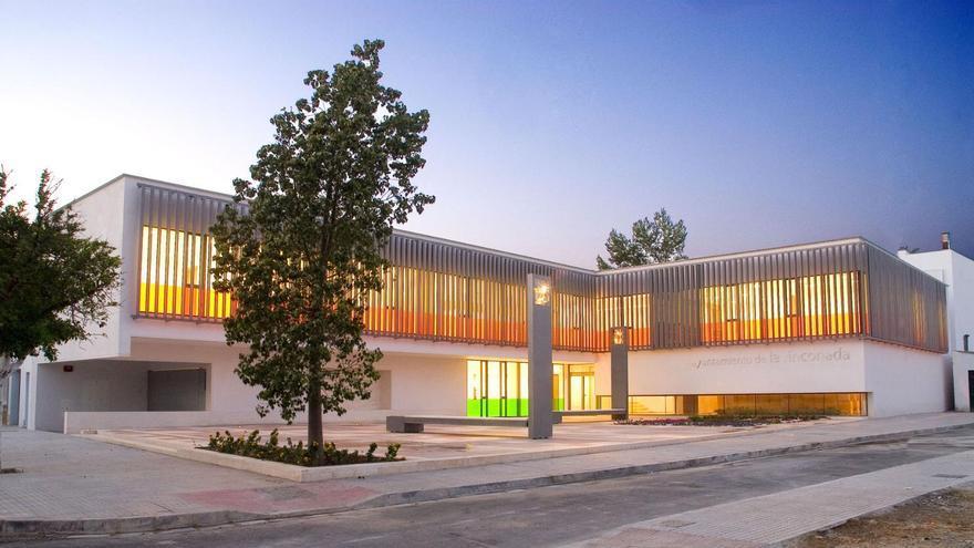 Edificio principal del Ayuntamiento de La Rinconada.