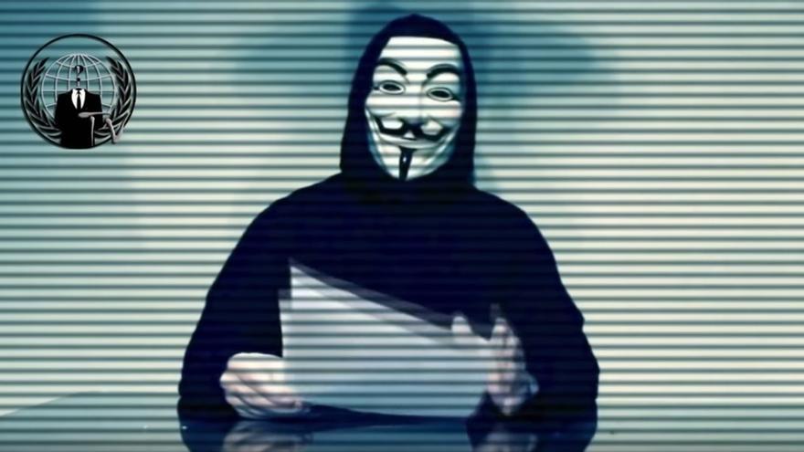 """Anonymous difunde datos personales de 5.400 policías nacionales en protesta por la """"Ley Mordaza"""""""